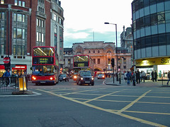 London, street traffic 7 (Larry Miller) Tags: greatbritain england architecture ondon sowntown millervacation