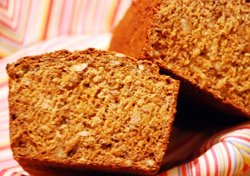 apple-hazelnutbread