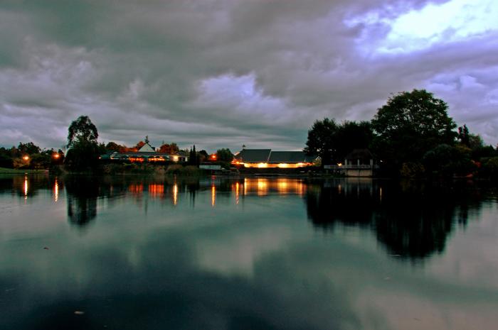 迷濛的湖畔