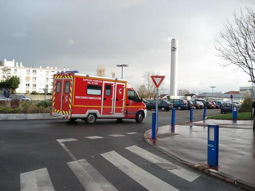 Les pompiers arrivent by Julie70