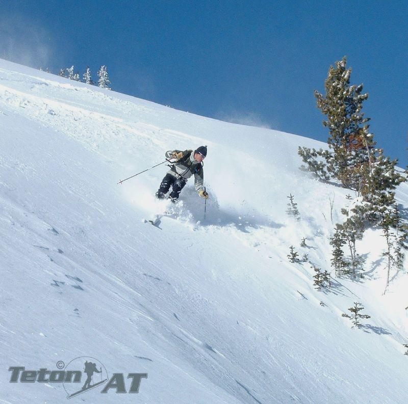 Randosteve skis drops into Wimpy Couloir
