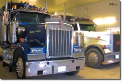 The Kenworth (Wenspics) Tags: shop lights shiny wheels horns semi clean chrome hood trucks kw peterbilt kenworth