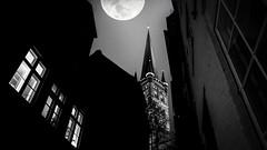 City Nights Black & White (kornflakezzz) Tags: city stadt gasse mond moon bw sw black white schwarz weiss weis light lights licht lichter alt hanse hansestadt lübeck luebeck composing composition sony alpha a57 sigma