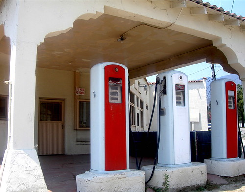 1950s Gas Station & Garage