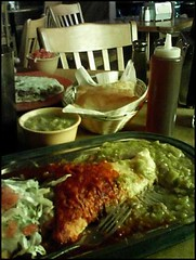 what real green chile and sopapillas look like (avtar k) Tags: santafe tomasitas