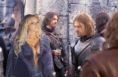 A donde miras Boromir? (oseillo) Tags: barcelona girl photoshop spain espanha europe flickr tits boobs joke fake catalonia lordoftherings catalunya escote espagne