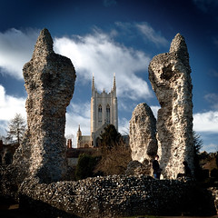 The Sentinals (Andrew Stawarz) Tags: nikon ruins published cathedral d70s explore stjameschurch burystedmunds abbeygardens milleniumtower explored utatafeature nikoncapturenx utata:project=upfaves 24mmf28dafnikkor