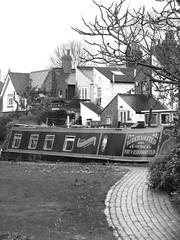 IMG_2367 (simon renton) Tags: england boat canal berkhamsted