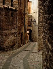 Todi (DarkFrame) Tags: italy strada italia umbria 100club italians todi sonydscw5 2for2 50club