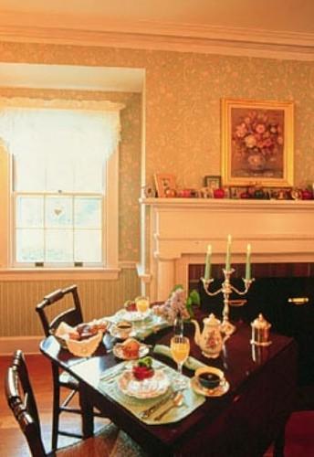 Applegate Inn Dining Room