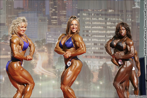 Arnold Classic Posedown - Lisa Aukland, Heather Policky, and Heather Foster