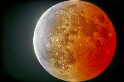 lunar eclipse (hdr)