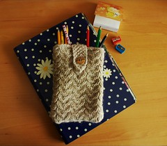 Estuche para lpices... (malglam) Tags: knitting knit craft case manualidades estuche funda tejer