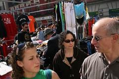 family at the rastro (P4O4E4T) Tags: madrid spain rastro