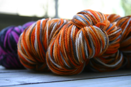 Close up on the tiger-stripe yarn