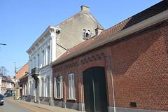 Dokterswoning Vertongen, Hamme (Erf-goed.be) Tags: dokterswoning burgerhuis vertongen slangstraat hamme archeonet geotagged geo:lon=41361 geo:lat=51096 oostvlaanderen