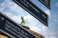 Brandenburger Tor (Berlín, Alemania) (pasosypedales.blogspot.com) Tags: berlín alemania geografíahumana geografíaurbana monumentos urbanismo brandenburgertor puertadebrandeburgo arquitectura neoclasicismo ciudad nubes unterdenlinden