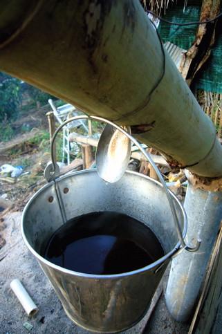making wood vinegar