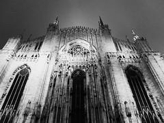 el dom de Milan (Ciccio Pizzettaro) Tags: xmas italy milan night lights downtown dom olympus luci duomo natale zuiko notte e500 zd 1445mm fotoincatenate abcn