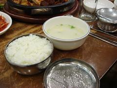 ご飯と牛スープ