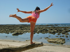 ginastica (c_mayumi) Tags: woman beach costarica body gym