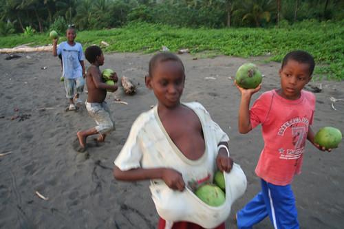 niños en El Valle