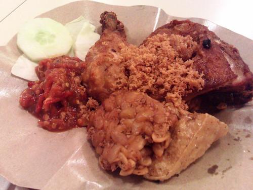 Ayam Penyet Kremes