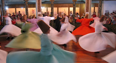 Tarian Whirling Dervishes