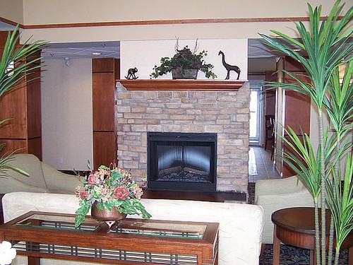 Staybridge Suites Calgary Airport Great room fireplace