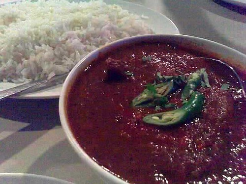 Mit Vindaloo (is that supposed to be Meat Vindaloo?)