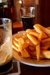 Ales and Chips (mfajardo) Tags: new beer brewing d50 french michael pub nikon belgium fort chips company fries co crown nitro collins porter fajardo odell cutthroat microbrew 1554 michaeljfajardo