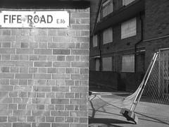 Keir Hardie Estate (Nicobobinus) Tags: cameraphone london k800i customhouse newham e16 canningtown londonboroughofnewham keirhardieestate fiferoad
