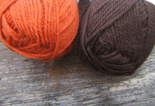 "KnitPicks Wool of the Andes in colors ""carrot"" and ""chocolate"""
