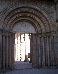 Das Portal mit Fresco (happycat) Tags: germany thringen ruin ruine portal convent fresco kloster paulinzella arkade bogengang lksaalfeldrudolstadt rottenbachpaulinzella rottenbachtal