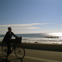 By the sea I (elsa castelo) Tags: sea sun sol mar afternoon bicicleta tarde bycicle