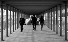 Sidewalking (Knrad) Tags: blackandwhite italy torino hands italia mani turin biancoenero lingotto corradogiulietti