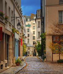 A Parisian Alley | Paris, France | HDR | davidgiralphoto.com (David Giral | davidgiralphoto.com) Tags: street urban david paris france alley nikon europe pavement small nation roofs capitale d200 hdr cour alle toits giral 75011 3xp photomatix nikond200 18200mmf3556gvr tthdr copyrightdgiral davidgiral anawesomeshot colorphotoaward damoye