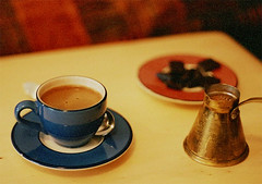 Turkish Coffee (It's Stefan) Tags: blue brown hot cup coffee caf cozy interestingness warm chocolate  kaffee explore mocha grainy schokolade caff turkishcoffee kahve caliente mocca  expiredfilm koffie mokka qahwa greekcoffee  kafa cupofcoffee cezve    explored  bravocoffee byzantinecoffee tassekaffee birfincankahveninkrkylhatrvardr stefanhoechst stefanhchst