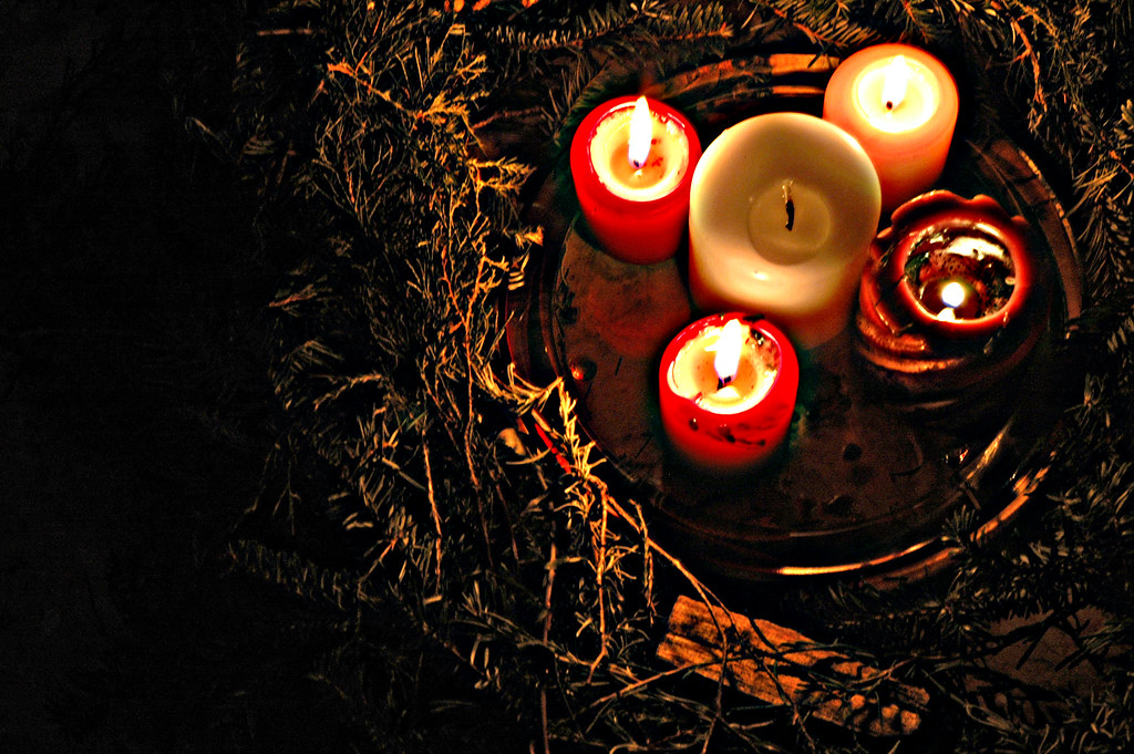 communality advent wreath