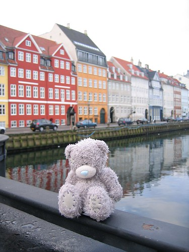 Grey Bear at Nyhavn by Pug!.