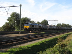 Class66 diesellocomotive with tankercars (giedje2200loc) Tags: railroad up metro ns transport tram trains cargo vehicles sp commuter lightrail railways bnsf locomotives trein spoorwegen treinen kcs spoorweg railvervoer goederentreinen diesellocs