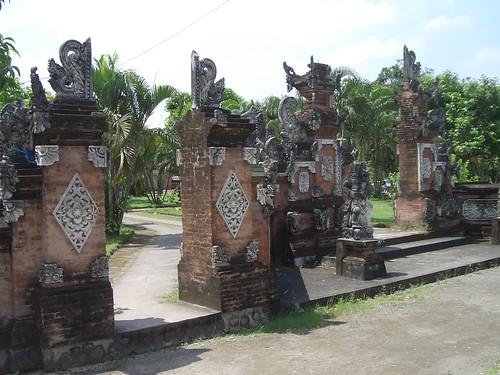 2006 04 05120 Indonesia - Lombok - Pura Lingsar