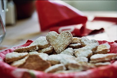 Shanik's Cookies (Or Hiltch) Tags: food love film cookies 35mm hearts iso200 heart sweet jewish nikonf5 kodakgold200 nikonf301 shanik orhiltch