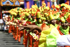 kamot (Farl) Tags: street flowers students colors festival dance hand dancers philippines performance formation celebration cebu tradition mardigras sinulog cebusugbo