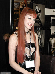 Pa100120040016 copie (AlainG) Tags: las vegas 2004 models bondage bdsm darby convention daniels bondcon