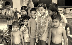 Little Machos (aufidius) Tags: boys sri lanka srilanka peopleofsrilanka childrenofsrilankabw