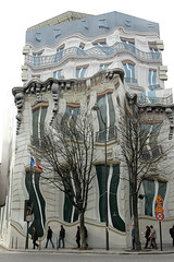 39GeorgeV     wrapped building (Mr~Poussnik) Tags: distortion paris architecture facade wrapping design surrealism wrapped cover dali faade surrealisme trompeloeil cladding distorsion georgev 75008 bache coverdesign buildingcover buildingcladding urbansurrealism 39georgev avgeorgev