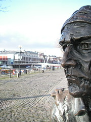 Cabot 1 (gothick_matt) Tags: statue bristol harbourside johncabot