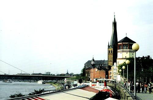 Rheinpromenade in Düsseldorf
