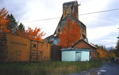 Champion Mine (joeldinda) Tags: railroad autumn red 15fav orange colors catchycolors mine champion mining michiganfavorites copper rockhouse upperpeninsula boxcars coppercountry joeldinda headhouse copperrange freedom100 top20rrpix